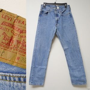 Levi's 501 W32 L34 light wash blue denim jeans